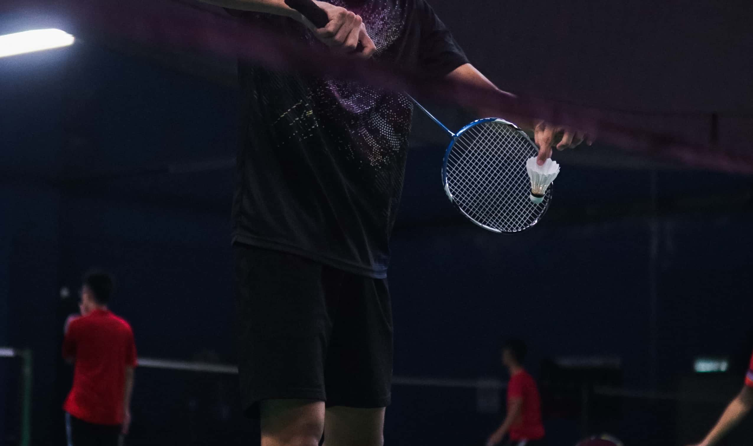 What do you wear to play Badminton